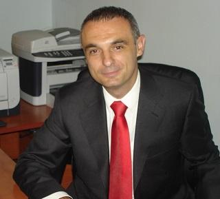 Siniša Bundalo Direktor Komore MSPP e-mail : info@komoramspp.rs tel : +381698801534